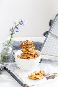 Apple Cinnamon Crisps