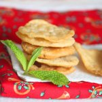 Papdi – Flat Crisps for Chat #homemade #streetfood