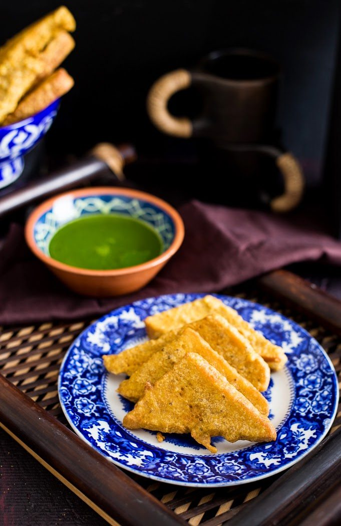 Bread Pakora with Coriander Spinach Chutney