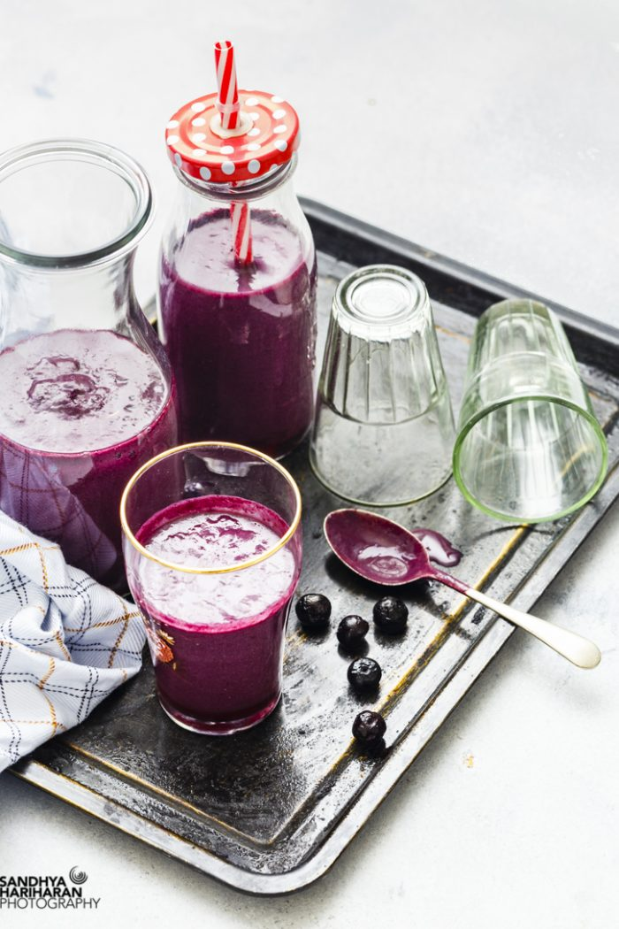 Blueberry Mango Oatmeal Smoothie