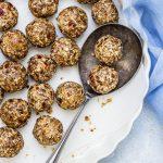 4-Ingredient Dates Granola Energy Balls